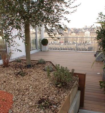 Terrasse bois sur toit étanche à Nantes