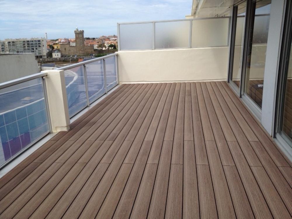 Terrasse composite sur toit étanche
