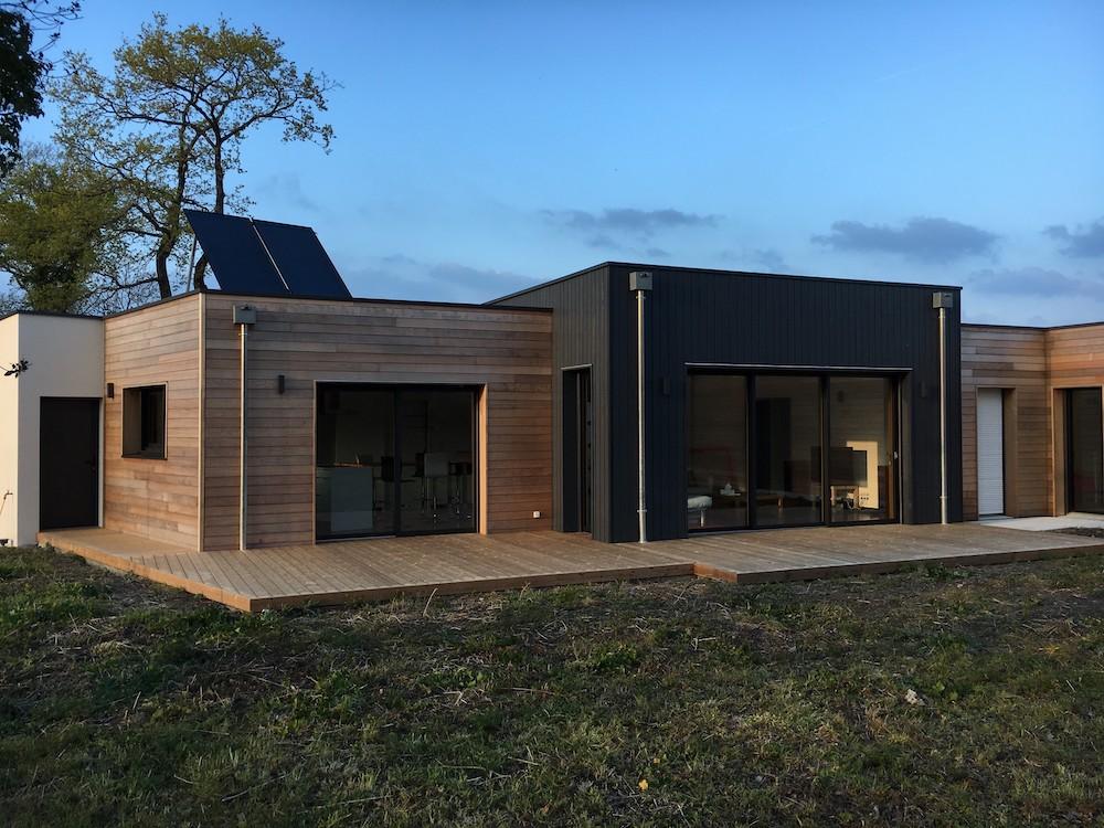 Création d'une terrasse sur-mesure en thermopin à Nantes