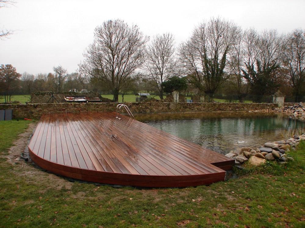 Création de terrasse de piscine naturelle