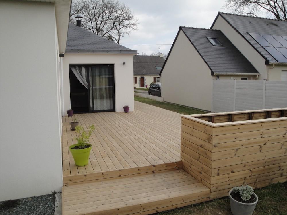 Installation d'une grande terrasse en bois