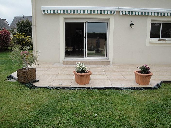 Pose de terrasses en grès cérame proche de Nantes
