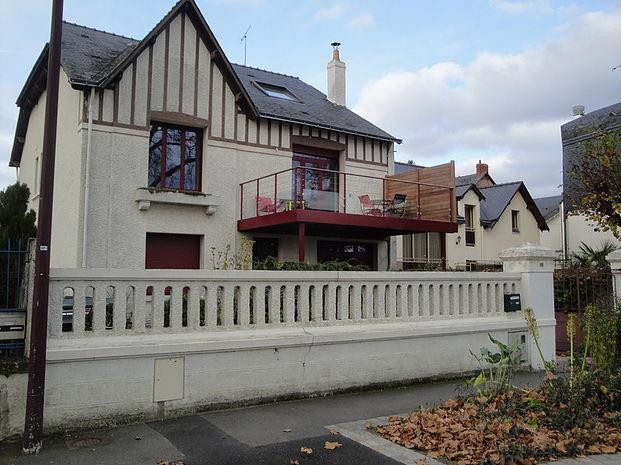 Installation de terrasse sur poteaux en Vendée