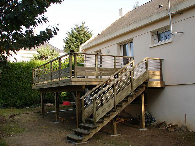 Spécialiste de la terrasse sur poteaux à Nantes