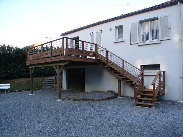 Pose de terrasse sur poteaux