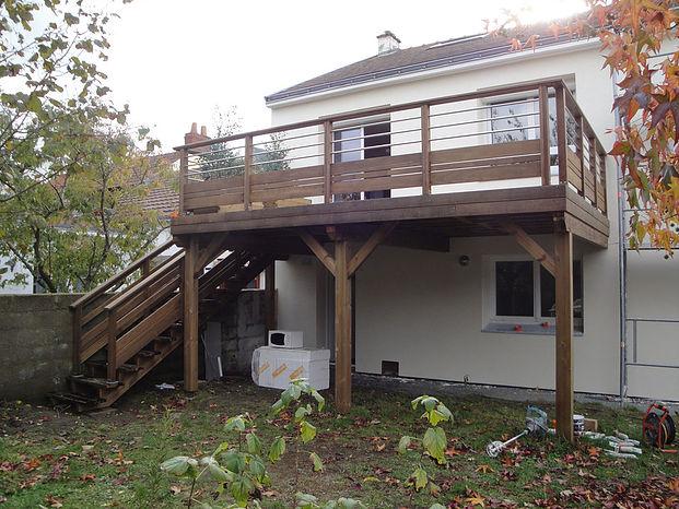 Construction de terrasse sur poteaux à Nantes