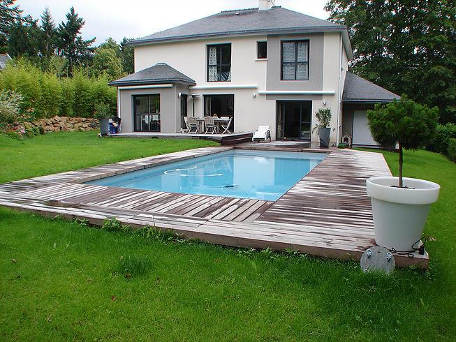 Installation Terrasses tour de piscine proche de Nantes