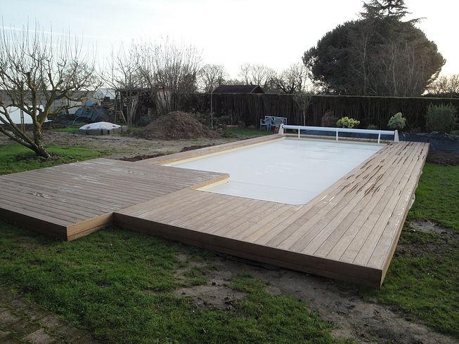 Terrasses et aménagement de tour de piscine proche de Nantes