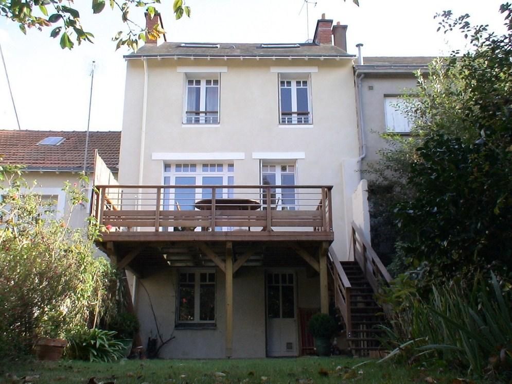 Terrasse sur poteaux à Nantes