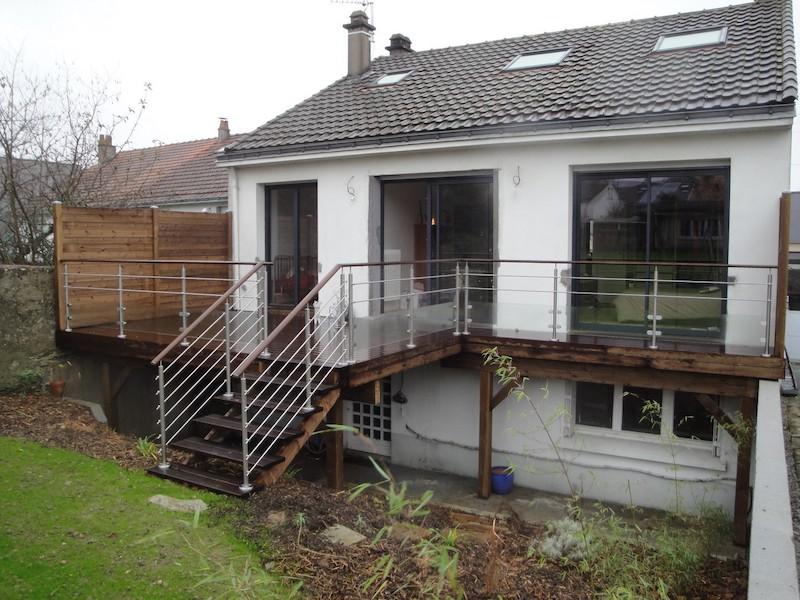 10 - Nantes - terrasse kébony sur poteaux.JPG