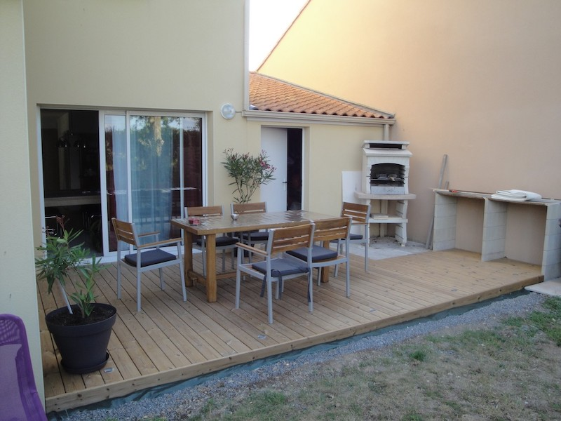 17 - St Hilaire de Loulay - terrasse thermopin sur sol stable.JPG