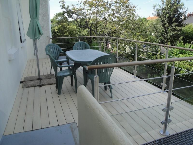 9 - Nantes - terrasse accoya sur poteaux.JPG